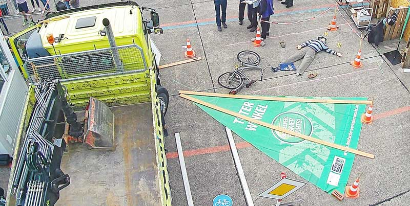 autounfall fahrradfahrer lkw angefahren