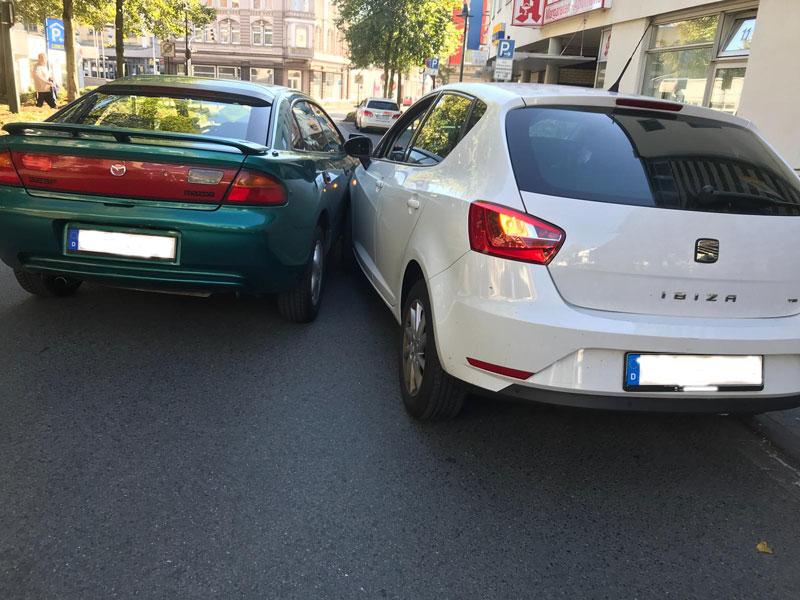 Unfall beim Rückwärtseinparken