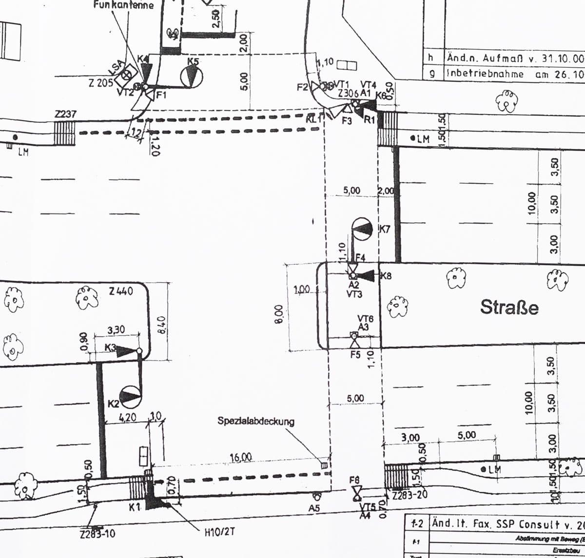 Ampelphase Phasenschaltung von Verkehrsampel Unfall Kreuzung rot gefahren